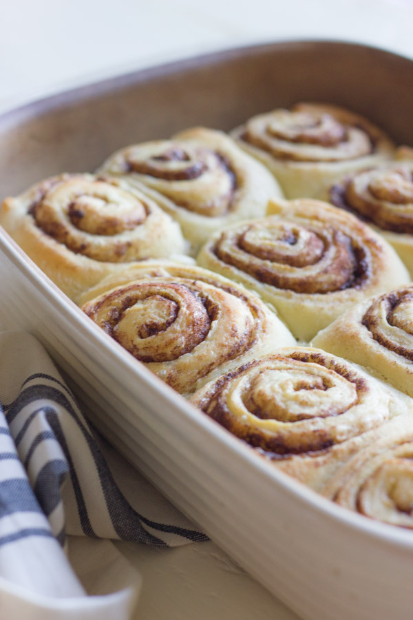Overnight Cinnamon Rolls with Cream Cheese Frosting | 21+ Christmas Morning Breakfast Ideas