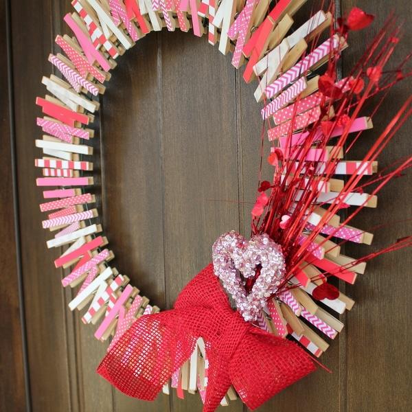 Easy DIY Valentines Clothespin Wreath | Kitchen Cents