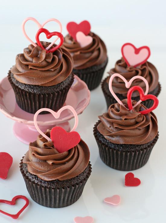 Chocolate Valentine's Heart Cupcakes | 27+ Chocolate Valentine's Desserts