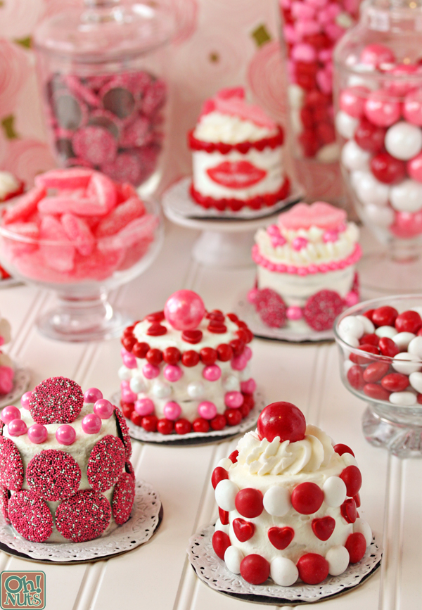 Easy Valentine's Day Mini Cakes | 27+ Chocolate Valentine's Desserts