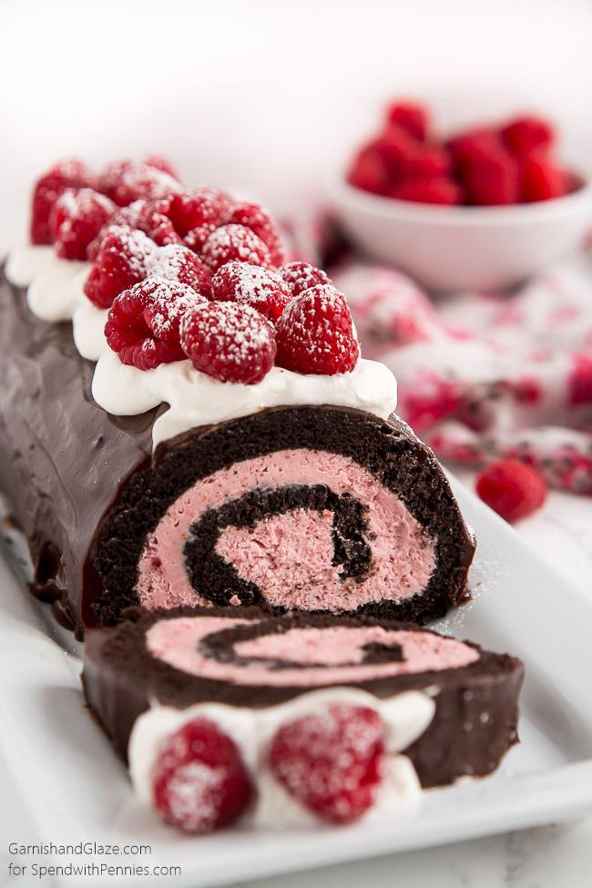 Raspberry Chocolate Swiss Roll | 27+ Chocolate Valentine's Desserts