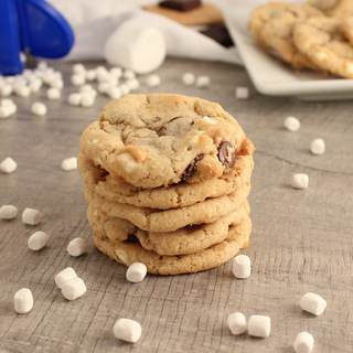 Easy Graham Cracker Smores Cookies with Jet-Puffed Mallow Bites | KitchenCents.com
