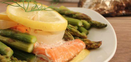 Lemon Garlic Salmon Tinfoil Dinner | KitchenCents.com