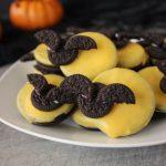 Easy 5-Minute Full Moon Oreo Bat Cookies | Kitchen Cents