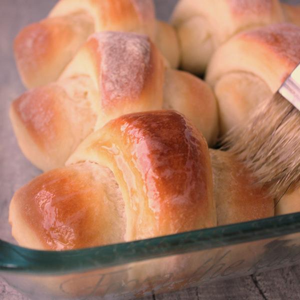 Bast Butterhorn rolls with butter | Kitchen Cents