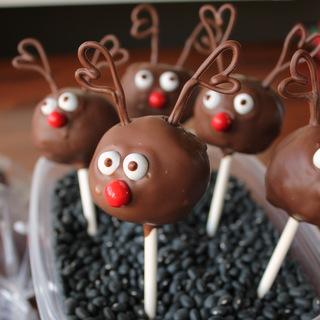 Red-Nose Reindeer Cake Pops