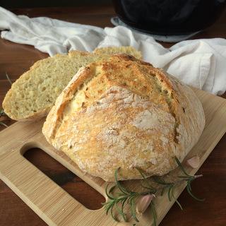 Easy Rosemary Garlic Artisan Bread