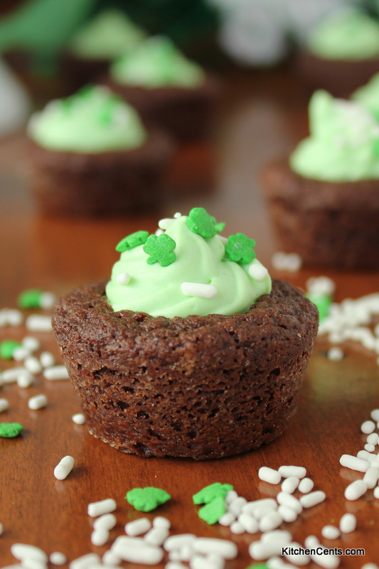 Easy Mint Mousse Brownie Cups | Kitchen Cents