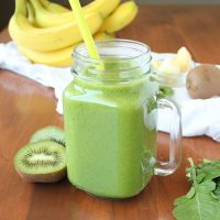 Easy Kiwi, Pineapple, Spinach Green Smoothie
