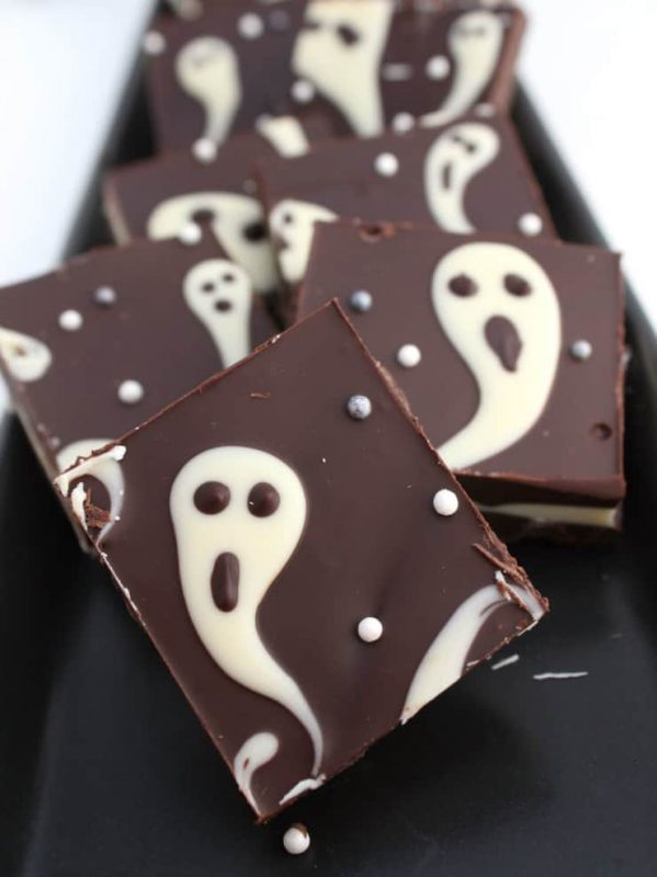 Ghastly Candy Bark | 25+ Halloween Treats Kids will Love