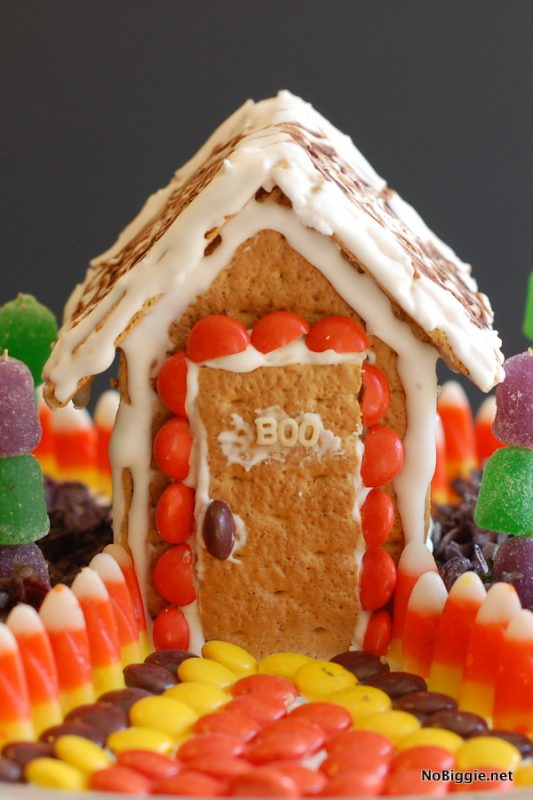 Halloween Candy Houses | 25+ Halloween Treats Kids will Love