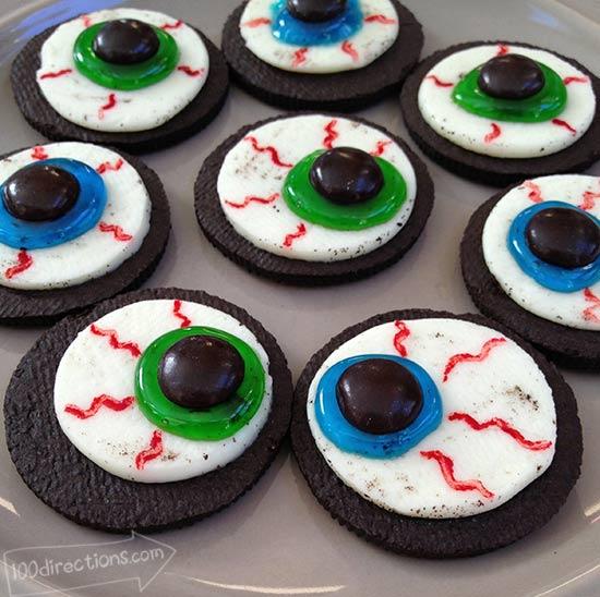 Oreo Cookie Eyeballs | 25+ Halloween Treats Kids will Love