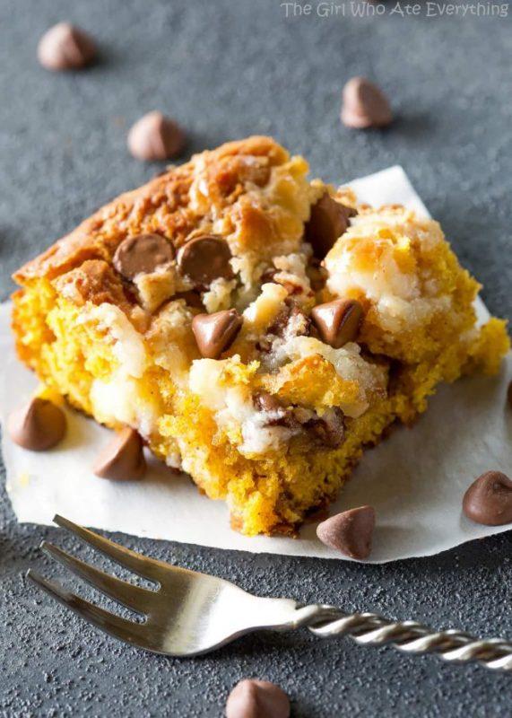 Pumpkin Earthquake Cake | 21+ Pumpkin Desserts