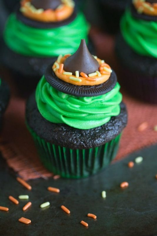Witches Hat Cupcakes | 25+ Halloween Treats Kids will Love