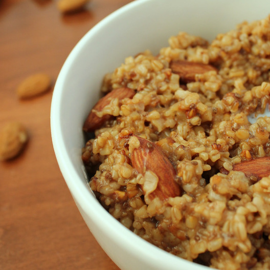 Healthy Cinnamon Almond Steel-Cut Oatmeal KitchenCents.com