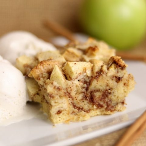 Easy Cinnamon Apple Bread Pudding recipe | Kitchen Cents