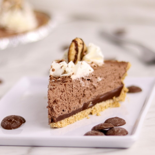 Easy 5-Ingredient Double Chocolate Cream Pie | Kitchen Cents