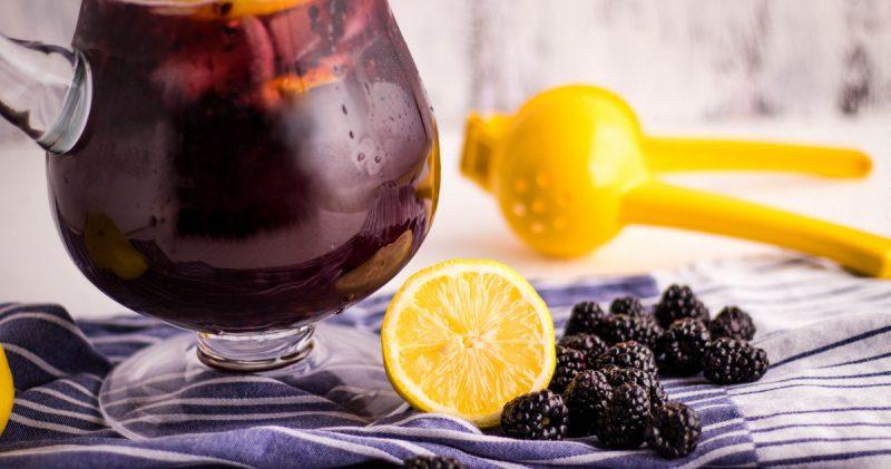Easy Homemade Blackberry Lemonade Recipe | Kitchen Cents