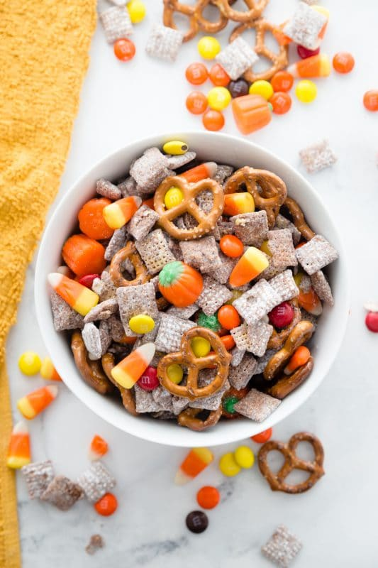 Harvest Puppy Chow | 21+ Easy No-Bake Halloween Treats | Kitchen Cents