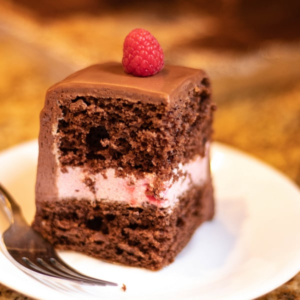 Raspberry Chocolate Mousse Sheet Cake | Kitchen Cents